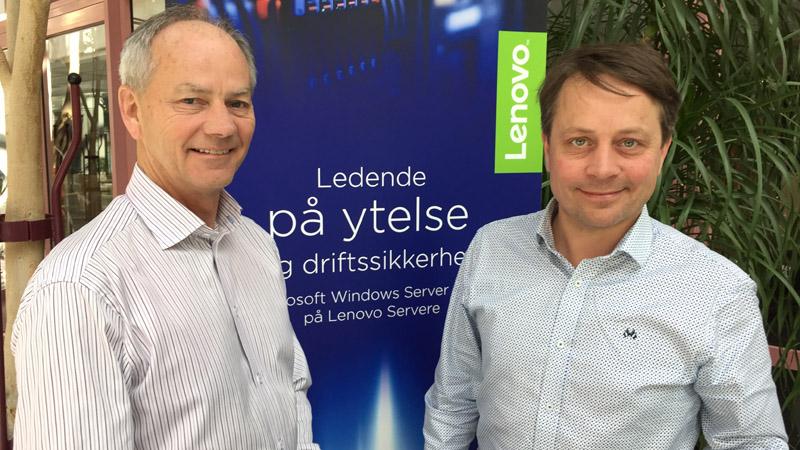 Morten Johansen og Espen Hjertø hos serveravdelingen til Lenovo.